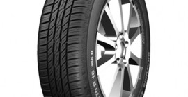 "This new tyre for all-wheel-drive vehicles and SUVs has been designed in such a way that it builds up good road grip for lateral guidance and braking when used on the road and provides sufficient grip for driving in light off-road terrain. The balanced ground pressure distribution of the very flat tyre contour means low wear and thus high mileage performance - making the new Bravuris 4x4 an attractive tyre for a wide range of all-wheel-drive vehicles. The new Bravuris 4x4 is now available in 19 different sizes from 80 to 55 Series tyres, suitable for 15"" to 19"" rim diameters; tyre width is up to 265 millimetres. The range also includes a light van tyre and one line in an inch size for American SUVs., Der Barum Bravuris 4x4 kombiniert sicheren Fahrspaß mit einer guten Laufleistung und angenehm leisem Abrollgeräusch.,"
